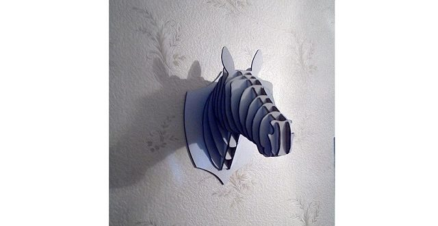 Horse head to wall