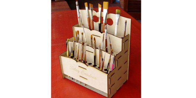 Brush organizer