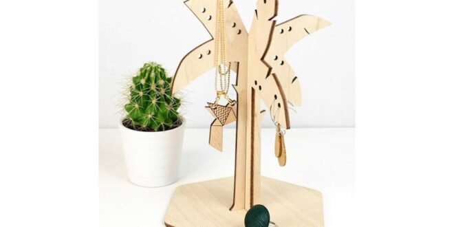 Laser cut project tree for earrings and jewelry
